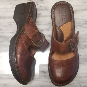 B.O.C. Leather Slip on Clogs Size 6